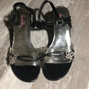 Sam and Libby girl butterfly heels size 2 1/2